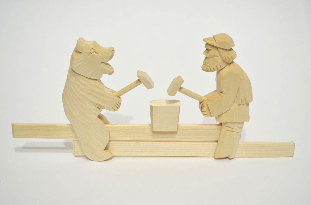 современная картинка медведи кузнецы также можете выбрать